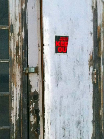 Norfolk Hospital Incurably Insane Door2.jpg PS