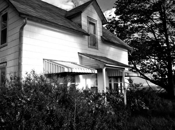 Abandoned Farmhouse -5-15 29.jpg PS